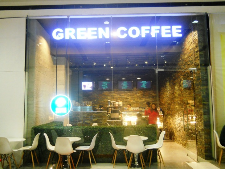 Green Coffee is a new local coffee shop here in Davao, but it's name and coffees are already viral around the city! I recommend having their cup of coffee, and cake! It's very delicious.